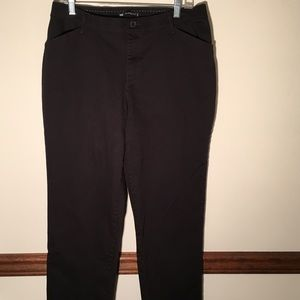 Lee Relaxed Fit Black Pants